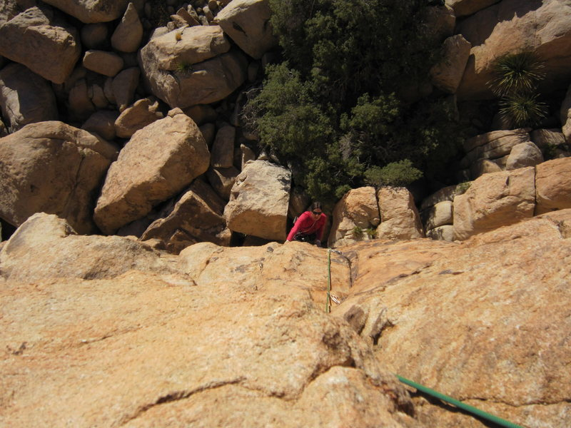 Joseffa Meir follows 'Nobody's Right Mind' (5.9) on the Patagonia Pile in the Outback of J-Tree. Photo by Tony B, 11/2010.