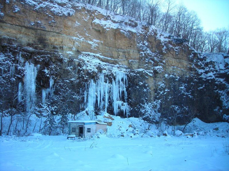 Rock Climbing Photo: Wyalusing ice... Dennis's quarry right side... 12-...