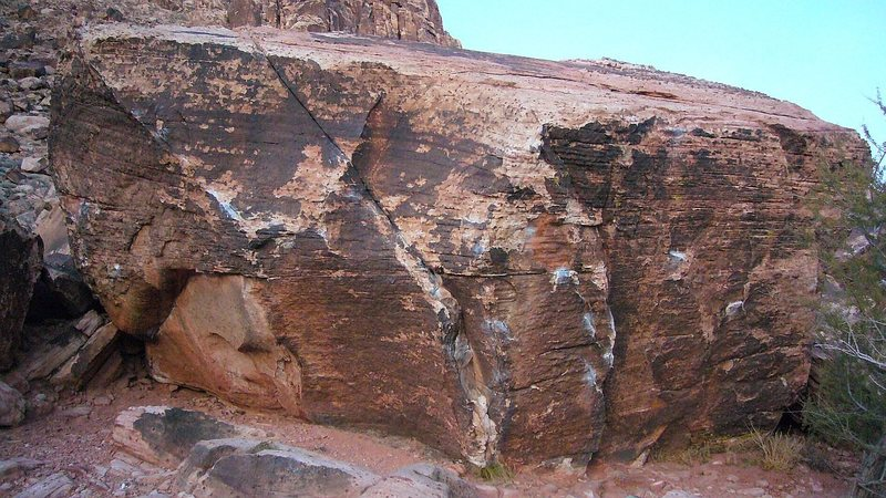 Rock Climbing Photo: The Burnout Boulder Calico Basin