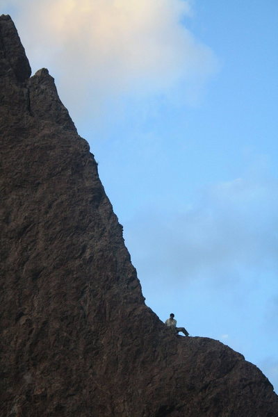 Rock Climbing Photo: Half way up the Razor's Edge. Taken from the top o...