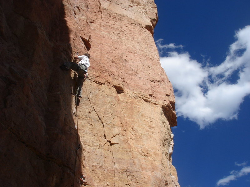 La Cholla Jackson (5.8+), Shelf Rd.<br> <br> Photo by Buster Jessik