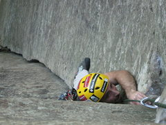 Rock Climbing Photo: Coming out of the small Offwidth section on P1 Roa...