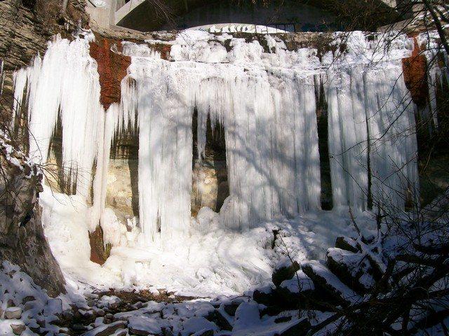 Rock Climbing Photo: Bridal Veil Falls (~30 ft)