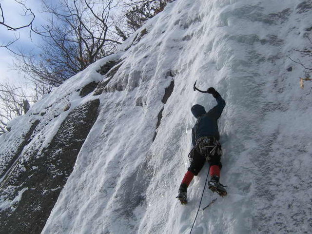 Rock Climbing Photo: Leading Fifi's Frozen Finger