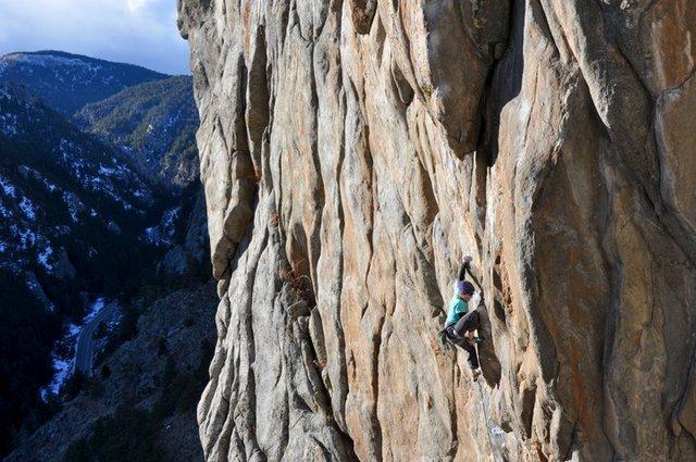 Rock Climbing Photo: Becky Johnson enjoying late afternoon sun on Vasod...