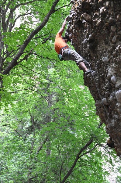 Rock Climbing Photo: me climbing cobbles @ Maple