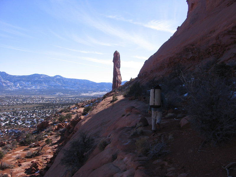 Rock Climbing Photo: Hiking to the Tombstone.