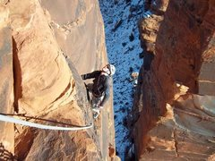 Rock Climbing Photo: Ben finishing up p3. Excellent splitter, obvious f...