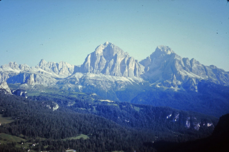 Rock Climbing Photo: Tofana di Rozes from the distance (View from the t...