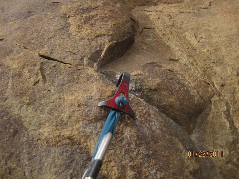 Rock Climbing Photo: Dicey rail hookin'....