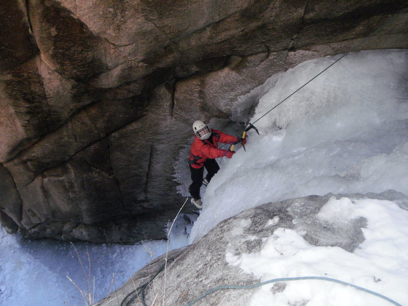 Rock Climbing Photo: Lynda Christensen moving off the vertical. 1st pit...