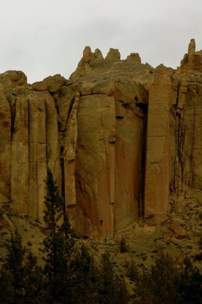 The Dihedrals, as seen from the Smith Rock Group. 3/2009.