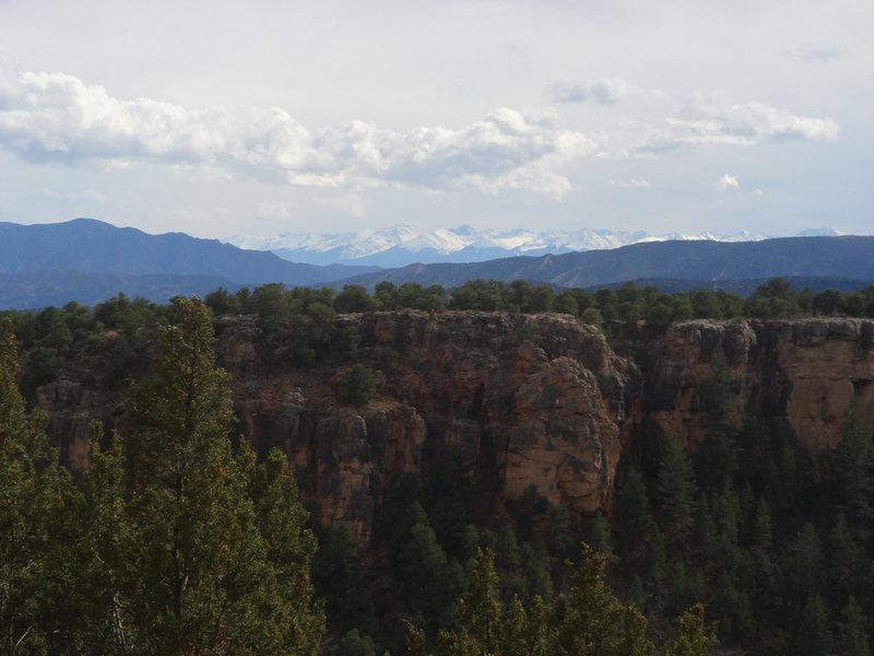Rock Climbing Photo: Las montañas de la Sangre de Christo, above the D...