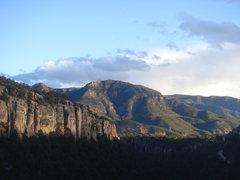 Rock Climbing Photo: Looking south along the Bank.