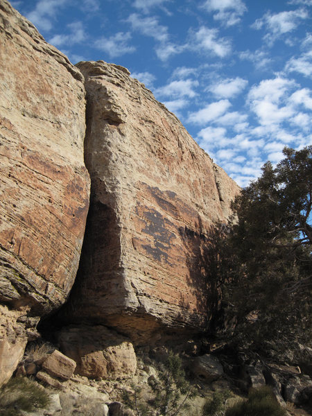 Rock Climbing Photo: A good look at the 5.7 top rope to the left (west)...