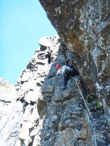 Pitch 2 (right alternative), a small easy overhanging wall felt much harder than it appears at this altitude