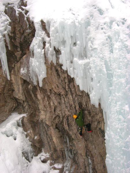 Rock Climbing Photo: Erik Wellborn Cruising Super Dave, fun route.  Pho...