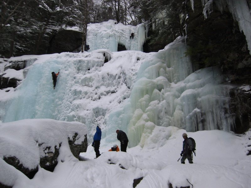Rock Climbing Photo: The top two pitches of Buttermilk Falls, Catskills...