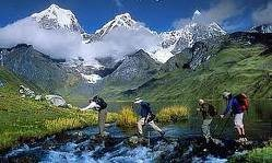 The Circuit of the Cordillera Huayhuash is one of the classic trekking circuits of the world