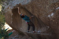 Rock Climbing Photo: Ronnie J looking at the top out