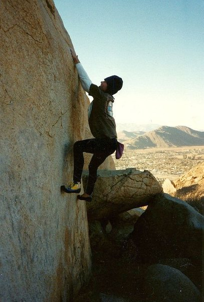 Linear Fracture (V2). Mt. Rubidoux. Photo by Tim Fearn (1991).