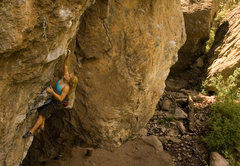 Rock Climbing Photo: Jenna Lupia cruising through the bottom of the rou...