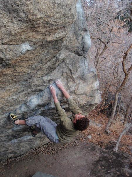Rock Climbing Photo: Shingles stand start V4/5   November 21, 2009