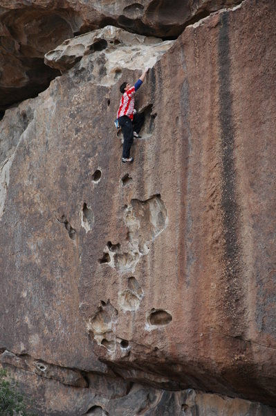 Rock Climbing Photo: Using an entirely unnecessary no-hands kneebar to ...