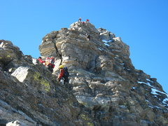 Rock Climbing Photo: Teams queued up at the Gray Band