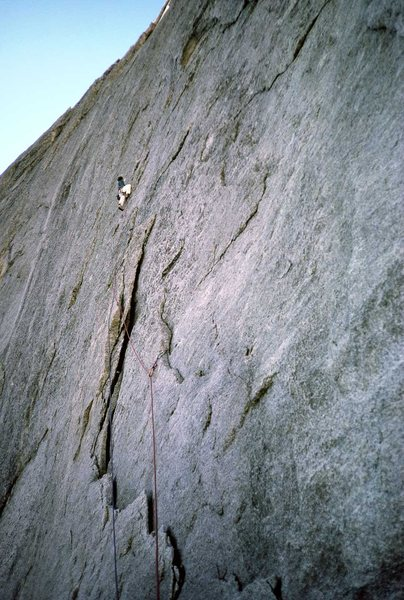Dan Brockway, pitch 1, Seven Arrows. This photo is in the new Climb! but Dan's name was missed out. Circa 1988.