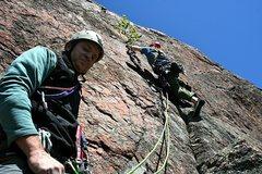 Rock Climbing Photo: Sev's Route, P2, at Farm Rock in Gatineau Park. Un...