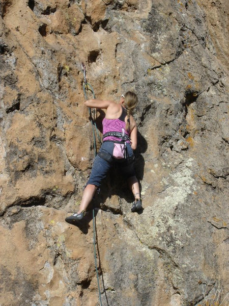 Rock Climbing Photo: Working way up to the crux on We Bulls Wobble.