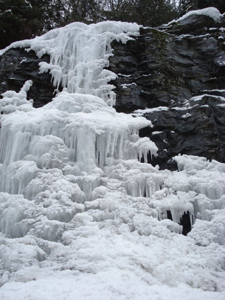 Rock Climbing Photo: More ice at Exchamsiks West.