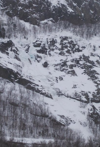 Rock Climbing Photo: Cinema Gulley, with climbers starting the right ex...