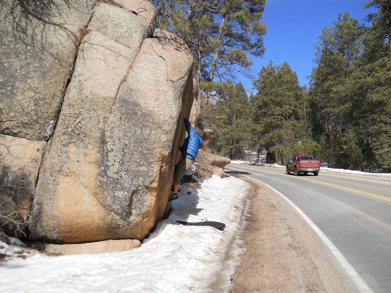 Rock Climbing Photo: Moonridge Boulder Crack.
