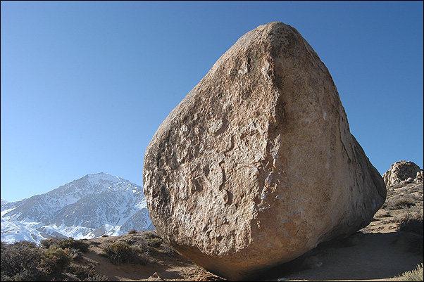 Buttermilk Boulders.<br> Photo by Blitzo.