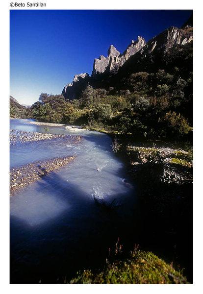 Rock Climbing Photo: View back toward Los Torres del Ishinca from the E...
