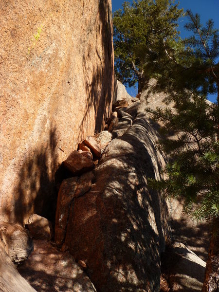 Rock Climbing Photo: The start of the 4th class approach ramp near &quo...