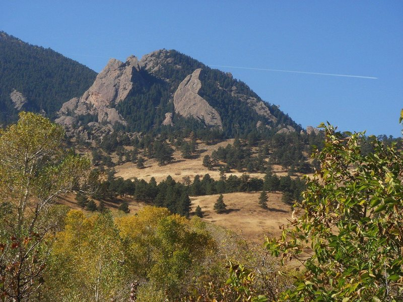 Rock Climbing Photo: Seal Rock from the trail, Flat Irons.