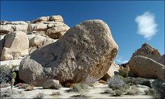Rock Climbing Photo: So High Boulder, Joshua Tree. Photo by Blitzo.