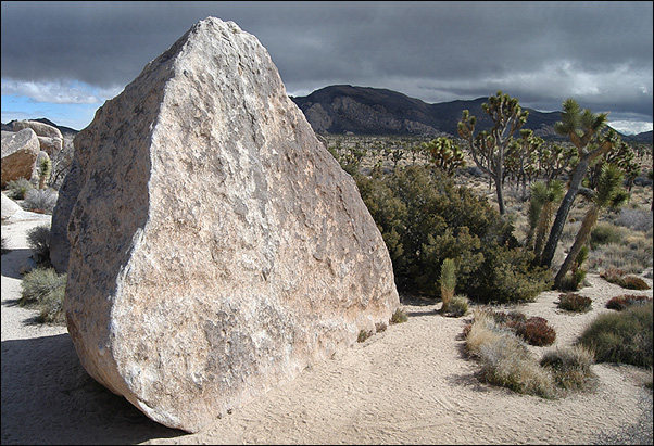 The Wedge Boulder, Joshua Tree.<br> Photo by Blitzo.