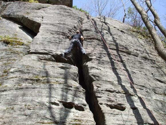 Rock Climbing Photo: Moving past the first large ledge.