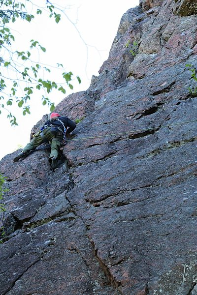 Rock Climbing Photo: Me heading up One Pine at Farm Rock, Gatineau Park...