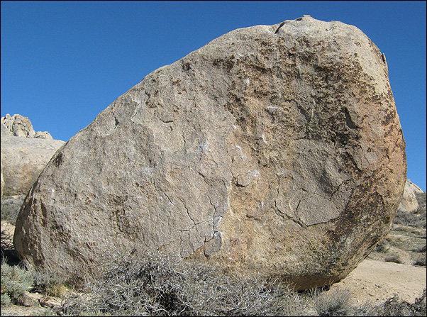 Rock Climbing Photo: Roadside Boulder. Photo by Blitzo.