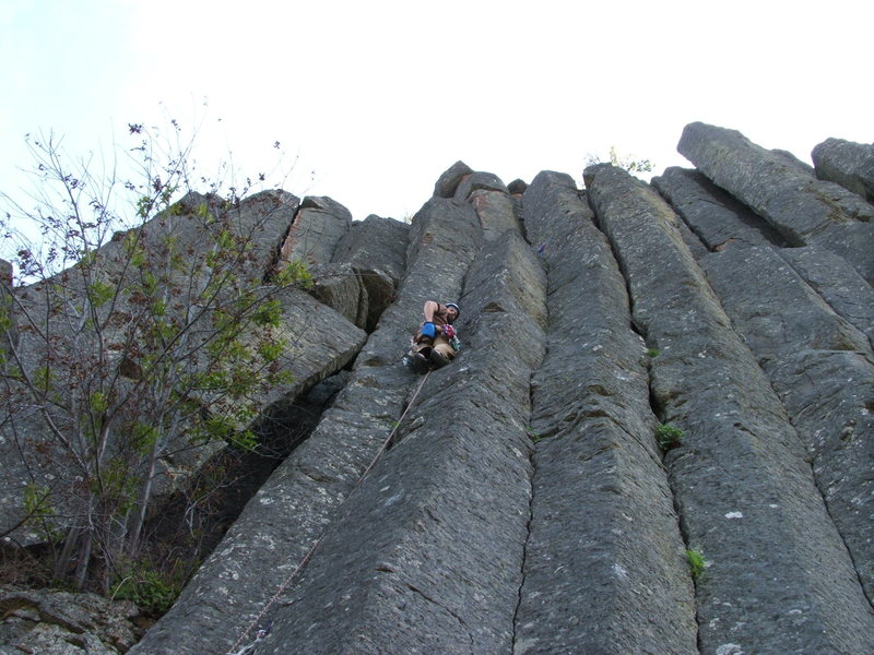 Rock Climbing Photo: Joe leading Eat a Peach 5.7 at The Bend
