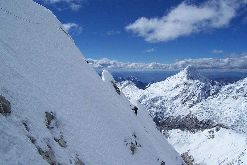 The traverse to the summit ridge. Exposure baby!
