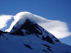 Rock Climbing Photo: lenticular pounding Aspiring