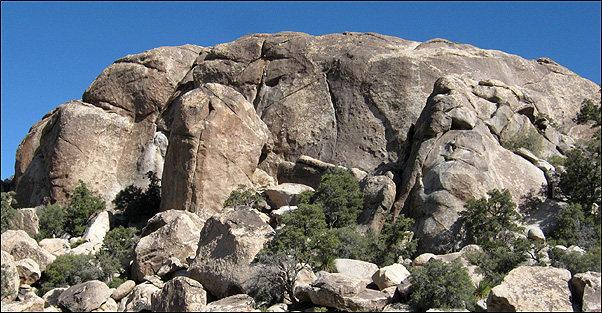 Lower Walt's Rocks.<br> Photo by Blitzo.