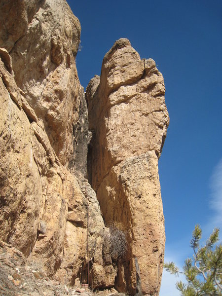 Rock Climbing Photo: Scorcher VI climbs the beautiful south face of the...
