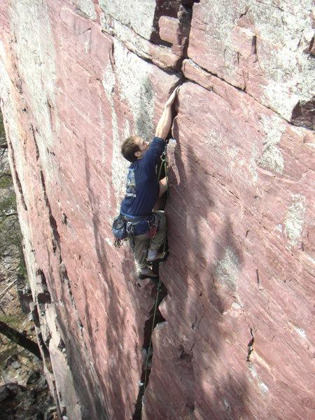Rock Climbing Photo: AJ cruising Birch Tree.